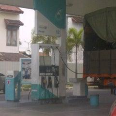 Photo taken at SPBU Petronas by Hendra S. on 3/9/2012