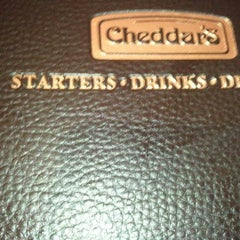 Photo taken at Cheddar's Casual Cafe by Antwion on 11/19/2011