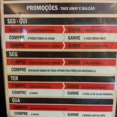 Photo taken at Vezpa Pizzas by Fernanda S. on 8/18/2012