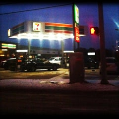 Photo taken at 7 Eleven by Travis M. on 2/4/2011