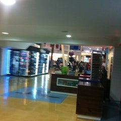 Photo taken at La Vela Centro Comercial by Cirkus M. on 7/27/2012