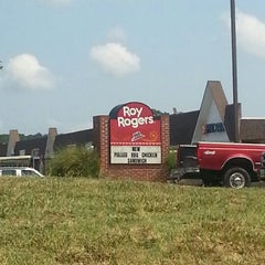 Photo taken at Roy Rogers by Mat P. on 7/10/2012