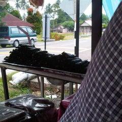 Photo taken at Pulut Panggang Simpang Ampat by Norita Y. on 9/25/2011