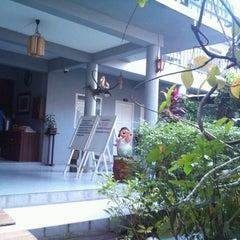 Photo taken at บ้านสวนแม่กลอง สมุทรสงคราม by Benjamard P. on 11/8/2011
