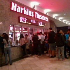 Photo taken at Harkins Theatres Moreno Valley 16 by ⓢⓤⓐⓝⓨ❤ on 10/22/2011