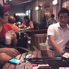 Photo taken at Starbucks Coffee by Sung H. on 1/15/2012