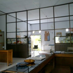 Photo taken at Klinik bhayangkara polman by Sapril B. on 12/11/2011