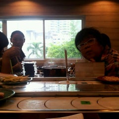 Photo taken at Shabushi (ชาบูชิ) by Unchalee I. on 1/4/2012