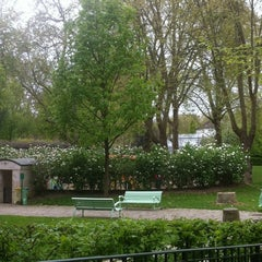 Photo taken at Parc de Bercy by Isabelle S. on 4/8/2012
