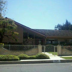 Photo taken at Brady Bunch House by Robert P. on 4/9/2011