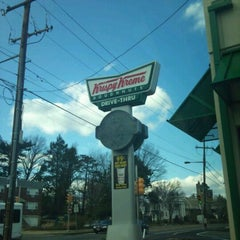 Photo taken at Krispy Kreme Doughnuts by Anthony L. on 2/25/2011