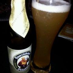 Photo taken at Café Viena Beer by Breno F. on 10/18/2011