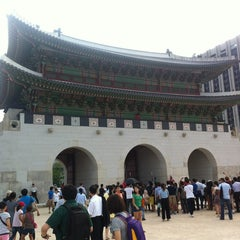 Photo taken at 광화문 (光化門, Gwanghwamun) by SeungEok C. on 9/2/2012