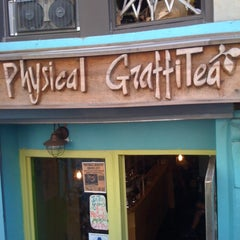 Photo taken at Physical Graffitea by Rachel S. on 9/26/2011