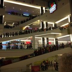 Photo taken at CETRAM El Rosario by Araceli A. on 6/27/2012