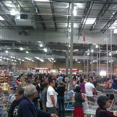 Photo taken at Costco by David U. on 9/26/2011