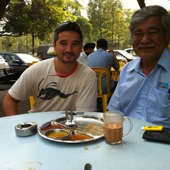 Photo taken at Restoran Seri Teratai by Ida S. on 9/9/2011