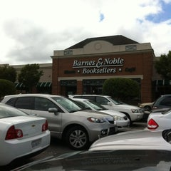 Photo taken at Barnes & Noble by Amy H. on 6/15/2012