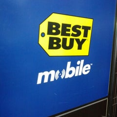 Photo taken at Best Buy by Emanuel P. on 3/10/2012