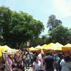 Photo taken at Feira de Artes e Artesanato de Belo Horizonte (Feira Hippie) by Richard M. on 10/9/2011