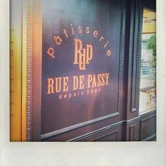 Photo taken at Rue De Passy (リュードパッシー) by Tomo M. on 9/9/2011