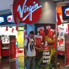 Photo taken at Virgin Megastore | فيرجن ميجاستورز by Syahril A. on 8/18/2011