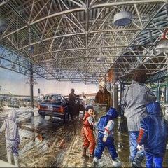 Photo taken at Upper Oakville Shopping Centre by Erich Nolan B. on 7/13/2012