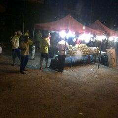 Photo taken at Irfan Tomyam Seafood by khairul h. on 7/18/2012