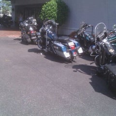 Photo taken at The Cedar Hotel/Memphis Airport Plaza by Horseradish H. on 5/28/2011