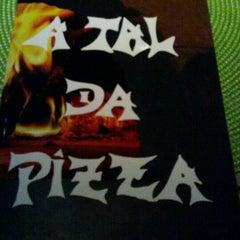 Photo taken at A Tal da Pizza by Douglas P. on 7/20/2012