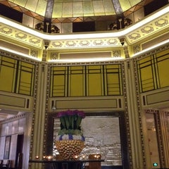 Photo taken at 和平饭店 | Fairmont Peace Hotel by Shiao-Ying F. on 8/6/2012