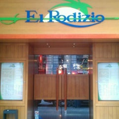 Photo taken at El Rodizio by Laura G. on 8/28/2011