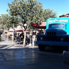 Photo taken at Karl Strauss Beer Truck by Jackie E. on 8/21/2011
