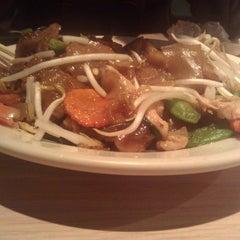 Photo taken at Dao Thai Restaurant by michal c. on 10/22/2011