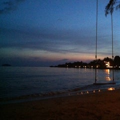 Photo taken at Coconut Beach Resort Koh Chang by Ploy B. on 11/3/2011