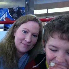 Photo taken at Taco Bell by Michelle J W. on 11/20/2011