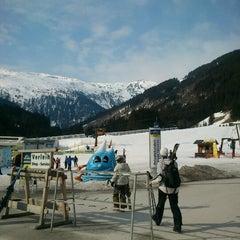 Photo taken at Skigebiet Schlossalm - Angertal / Ski amadé by Gabriela Dedkova on 3/24/2012