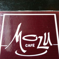 Photo taken at Mozu Cafè by Alan Chris M. on 11/30/2011