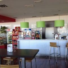 Photo taken at Como En Casa by Luis Y. on 6/20/2012
