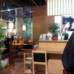 Photo taken at Ichiban Sushi by Carcca on 9/13/2011