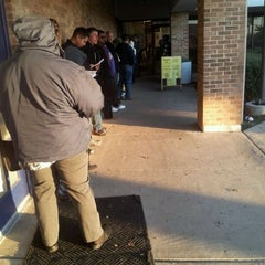 Photo taken at TX DPS - Driver License Office by Beto Y. on 1/27/2012