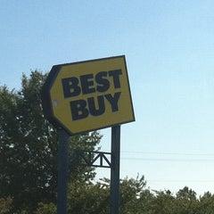 Photo taken at Best Buy by Kira L. on 9/10/2011