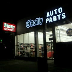 Photo taken at O'Reilly Auto Parts by Rex C. on 11/23/2011