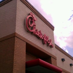 Photo taken at Chick-fil-A by Melissa S. on 8/21/2012