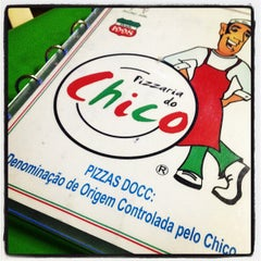 Photo taken at Pizzaria do Chico by Hélio R. on 8/21/2012