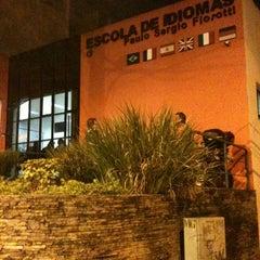 Photo taken at Escola de Idiomas Paulo Sérgio Fiorotti by José Roberto G. on 5/24/2012