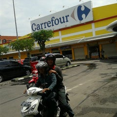 Photo taken at Carrefour by Desy T. on 2/1/2012