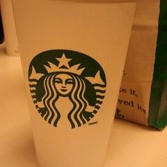 Photo taken at Starbucks by Kevin C. on 8/16/2011