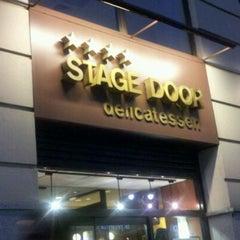Photo taken at Stage Door Delicatessen by Reinaldo D. on 9/15/2011