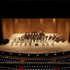 Photo taken at 세종문화회관 (Sejong Center) by Youngran K. on 10/6/2011
